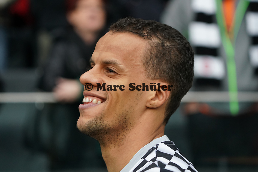 Timothy Chandler (Eintracht Frankfurt) - 23.11.2019: Eintracht Frankfurt vs. VfL Wolfsburg, Commerzbank Arena, 12. Spieltag<br /> DISCLAIMER: DFL regulations prohibit any use of photographs as image sequences and/or quasi-video.