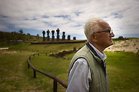 Rapa Nui, Easter island, oct 2011. Valentin Riroroko (79) elegido Rey de Rapa Nui, visitando el sector de Anakena. In Rapa Nui, also called Easter Island, the  king of the original people is back after a hundred years RirorokoTuki Valentino, the new monarch, is  an old man who has made his living as a farmer and fisherman and  traveled the world as a ship&acute;s stowaways . <br />