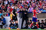 Head Coach Diego Pablo Simeone of Atletico de Madrid (C) gestures during the La Liga match between Atletico Madrid and Eibar at Wanda Metropolitano Stadium on May 20, 2018 in Madrid, Spain. Photo by Diego Souto / Power Sport Images