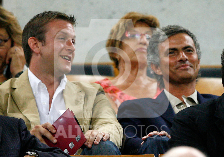 Inter de Milan's coach Jose Mourinho attends FC Barcelona vs Sportin de Gijon match in the Camp Nou Stadium.August 31 2009. (ALTERPHOTOS/Acero).