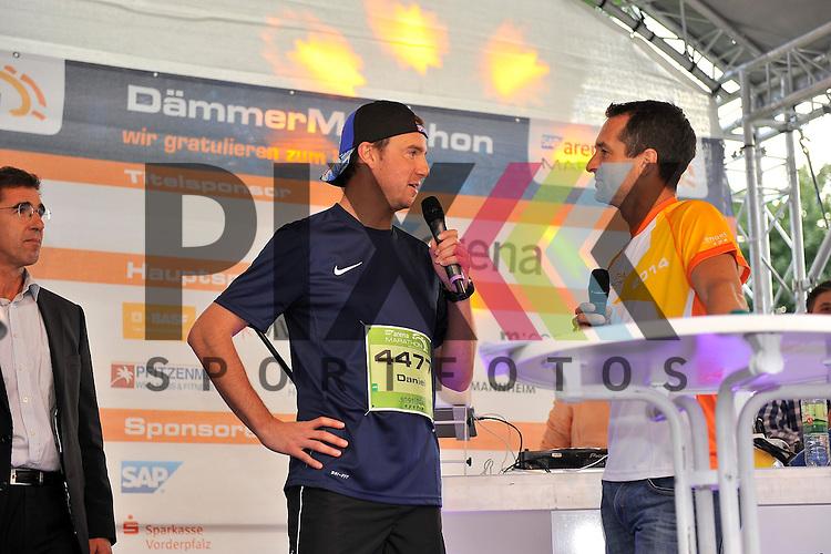 Daniel Hopp auf der Buehne beim SAP Arena Marathon 31.05.2014.<br /> <br /> Foto &copy; Rhein-Neckar-Picture *** Foto ist honorarpflichtig! *** Auf Anfrage in hoeherer Qualitaet/Aufloesung. Belegexemplar erbeten. Veroeffentlichung ausschliesslich f&uuml;r journalistisch-publizistische Zwecke.