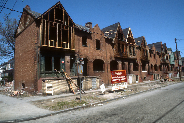 1986 March ..Conservation.Central Brambleton...801-821 MARSHALL AVENUE.CONSTRUCTION PROGRESS...NEG#.NRHA#..