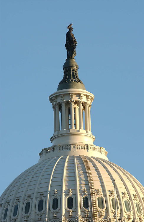 11/15/04.U.S. CAPITOL DOME--The dome of the U.S. Captiol from the House side..CONGRESSIONAL QUARTERLY PHOTO BY SCOTT J. FERRELL