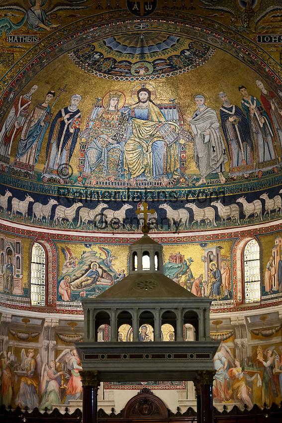 Italy, Lazio, Rome: Mosaics inside the church of Santa Maria in Trastevere, Piazza Santa Maria in Trastevere   Italien, Latium, Rom: Mosaiken im Innern der Kirche Santa Maria in Trastevere auf der Piazza Santa Maria in Trastevere