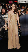 LOS ANGELES, CA - NOVEMBER 12: Kristen Stewart  arrives at 'The Twilight Saga: Breaking Dawn - Part 2' Los Angeles premiere at Nokia Theatre L.A. Live on November 12, 2012 in Los Angeles,PAP1112JP306..PAP1112JP306.. /NortePhoto