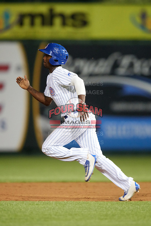 South Bend Cubs pinch runner Andruw Monasterio (6) during a game against the Burlington Bees on July 22, 2016 at Four Winds Field in South Bend, Indiana.  South Bend defeated Burlington 4-3.  (Mike Janes/Four Seam Images)