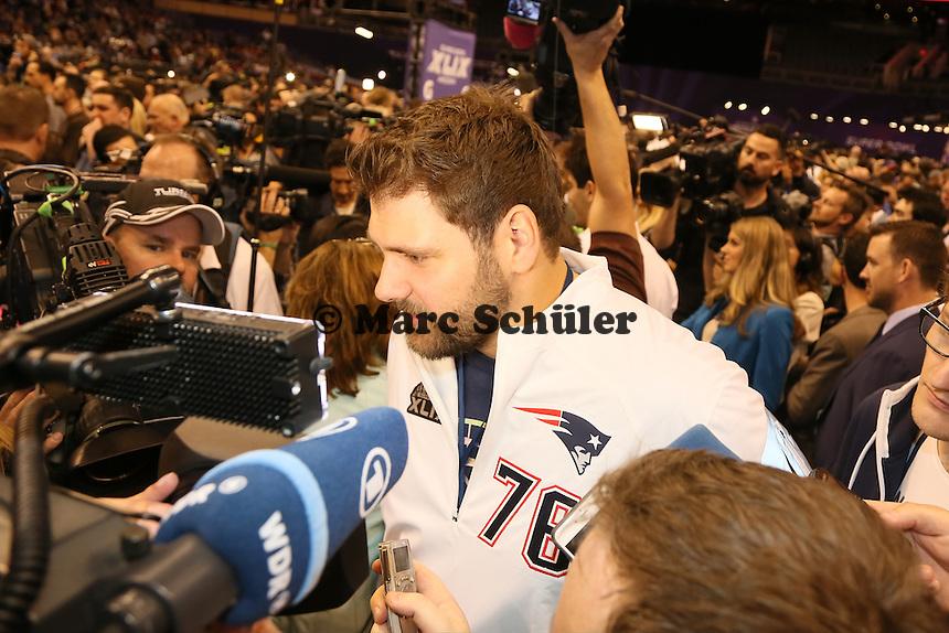 Sebastian Vollmer (Patriots) im Interview - Super Bowl XLIX Media Day, US Airways Center, Phoenix