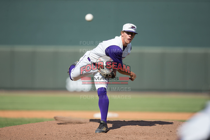 Winston-Salem Dash relief pitcher Ian Hamilton (29) delivers a pitch to the plate against the Potomac Nationals at BB&T Ballpark on August 6, 2017 in Winston-Salem, North Carolina.  The Nationals defeated the Dash 4-3 in 10 innings.  (Brian Westerholt/Four Seam Images)