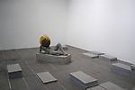 PIERRE HUYGHE<br /> <br /> Untilled (Liegender Frauenakt), 2012<br /> Moulage en b&eacute;ton avec une structure autour de la t&ecirc;te<br /> entour&eacute;e d'une ruche, cire, abeilles<br /> Sculpture : 75 x 145 x 45 cm ; socle : 30 x 145 x 55 cm<br /> Dimensions de la ruche variables<br /> Vue de l'exposition, Centre Pompidou, Galerie sud, 2013<br /> Lieu : Centre Pompidou<br /> Ville : Paris<br /> Le : 24/11/2013