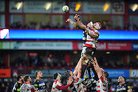 Sione Kalamafoni of Gloucester Rugby competes with Francois Louw of Bath Rugby for the ball at a lineout. Aviva Premiership match, between Gloucester Rugby and Bath Rugby on March 26, 2016 at Kingsholm Stadium in Gloucester, England. Photo by: Patrick Khachfe / Onside Images