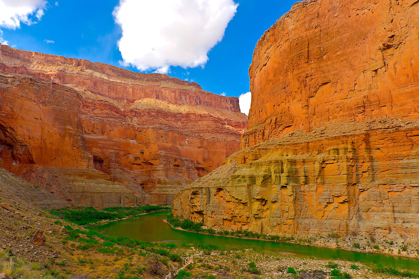 Camping at Saddle Canyon, Whitewater rafting trip (oar trip) on the Colorado River in Marble Canyon, Grand Canyon National Park, Arizona USA