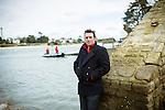 Gwen Pennarun, président d'une fédération de pêcheurs respectueux de l'environnement, sur le port Sainte Marine (29)