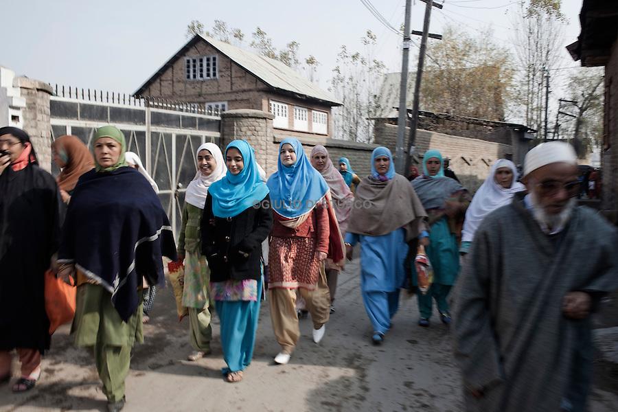 People gets together for the Eid Prayer at the  Srinagar Martyr's Graveyard during on 17, November 2010