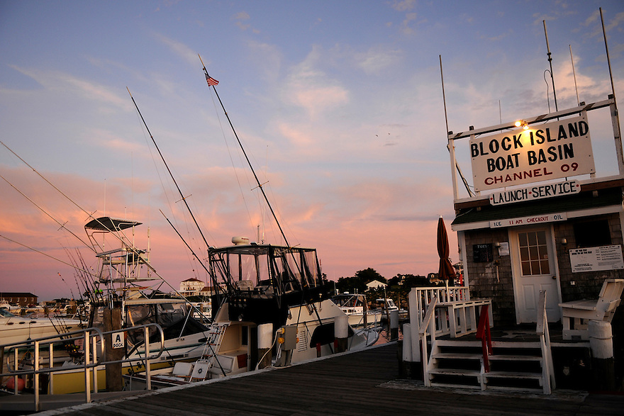 BLOCK ISLAND, RI - Sept. 3, 2009--Sunset at the Boat Basin on the Great Salt Pond, Block Island.  CREDIT: JODI HILTON FOR THE NEW YORK TIMES