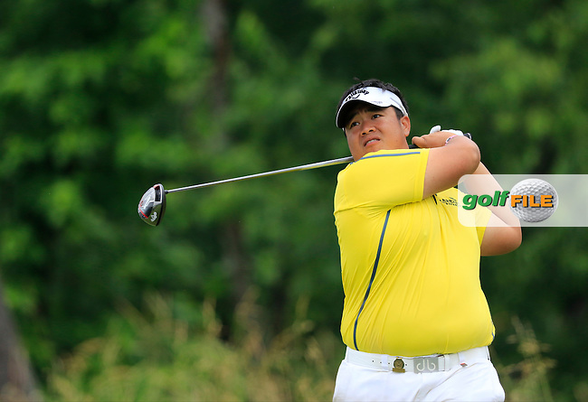 Kiradech Aphibarnrat (THA) tees off the 4th tee during Friday's Round 1 of the 2016 U.S. Open Championship held at Oakmont Country Club, Oakmont, Pittsburgh, Pennsylvania, United States of America. 17th June 2016.<br /> Picture: Eoin Clarke | Golffile<br /> <br /> <br /> All photos usage must carry mandatory copyright credit (&copy; Golffile | Eoin Clarke)