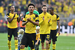 06.10.2018, Signal Iduna Park, Dortmund, GER, DFL, BL, Borussia Dortmund vs FC Augsburg, DFL regulations prohibit any use of photographs as image sequences and/or quasi-video<br /> <br /> im Bild Schlussjubel / Schlu&szlig;jubel / Emotion / Freude / der Mannschsft von Dortmund<br /> <br /> Foto &copy; nph/Horst Mauelshagen