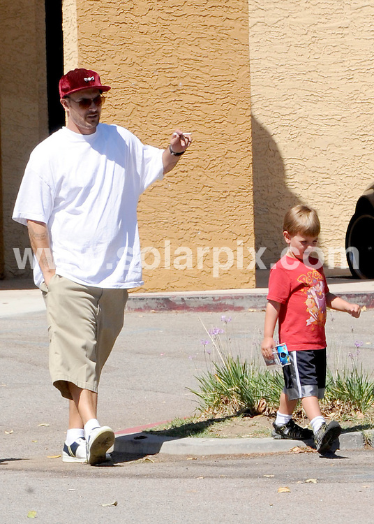 **ALL ROUND EXCLUSIVE PICTURES FROM SOLARPIX.COM**.**SYNDICATION RIGHTS FOR UK AND SPAIN ONLY**.Britney Spears ex husband, Fat and gaining Kevin Federline. Kevin is taking care of  his two boys Jayden James and Sean Preston while there mother Britney Spears vacations in Hawaii with her boyfriend. Kevin sets a terrible example being a Fat, smoking slob leaving a movie with all his kids and girlfriend Victoria Prince in Calabassa...This pic: Kevin Federline..JOB REF:          STL        DATE:.**MUST CREDIT SOLARPIX.COM OR DOUBLE FEE WILL BE CHARGED**.**MUST NOTIFY SOLARPIX OF ONLINE USAGE**.**CALL US ON: +34 952 811 768 or LOW RATE FROM UK 0844 617 7637**
