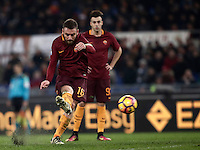 Calcio, Serie A: Roma vs Milan. Roma, stadio Olimpico, 12 dicembre 2016.<br /> Roma&rsquo;s Daniele De Rossi kicks a free kick during the Italian Serie A football match between Roma and AC Milan at Rome's Olympic stadium, 12 December 2016.<br /> UPDATE IMAGES PRESS/Isabella Bonotto