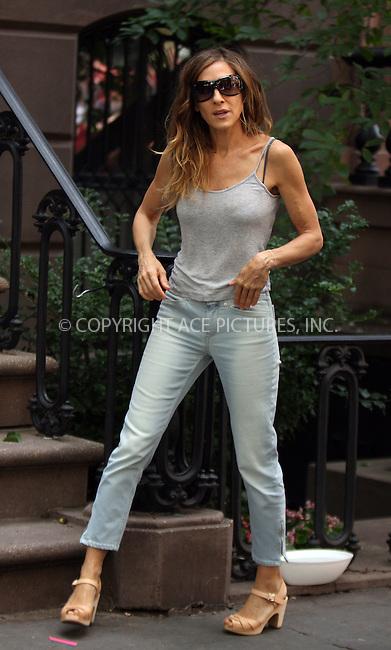 WWW.ACEPIXS.COM . . . . .  ....September 4 2009, New York City....Actress Sarah Jessica parker on the set of the new 'sex and the city' movie on September 4 2009 in New York City....Please byline: AJ Sokalner - ACEPIXS.COM..... *** ***..Ace Pictures, Inc:  ..tel: (212) 243 8787..e-mail: info@acepixs.com..web: http://www.acepixs.com