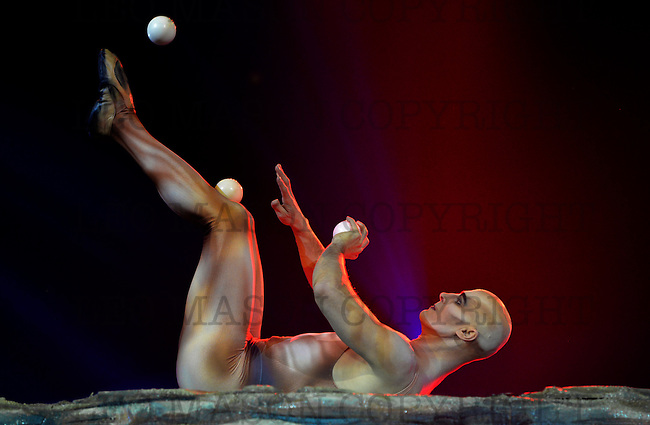 29/30.01.2016  37e Festival Mondial du Cirque De Demain et Cirque Phenix Paris France Special guest and one of the worlds top jugglers Viktor Kee UKR