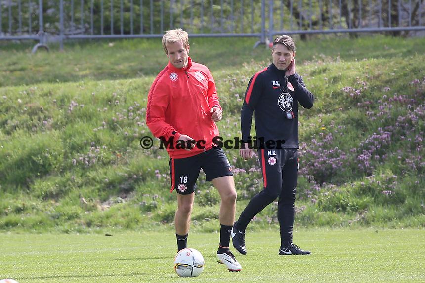 Trainer Niko Kovac mit Stefan Aigner - Eintracht Frankfurt Training, Commerzbank Arena