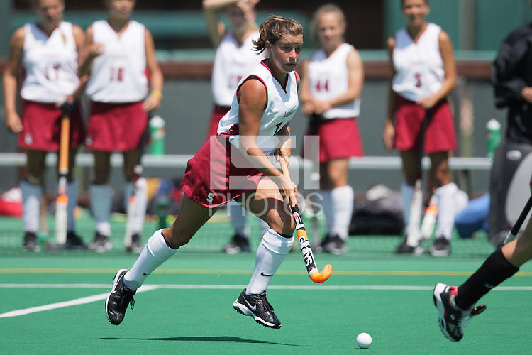 25 August 2007: Rachel Mozenter during Stanford's 2-1 win against the Boston Eagles at the Varsity Field Hockey Turf in Stanford, CA.