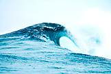 INDONESIA, Mentawai Islands, Kandui Surf Resort, a breaking wave in the Indian Ocean, Bankvaults