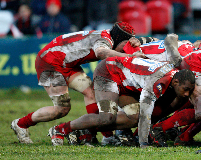 Photo: Richard Lane/Richard Lane Photography. Gloucester Rugby v Cardiff Blues. Heineken Cup. 18/01/2009. Gloucester's Apo Satala at a scrum.