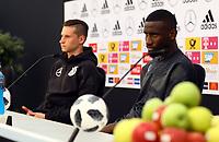 Julian Draxler (Deutschland, Germany) und Antonio Rüdiger (Deutschland Germany) - 28.05.2018: Pressekonferenz der Deutschen Nationalmannschaft zur WM-Vorbereitung in der Sportzone Rungg in Eppan/Südtirol