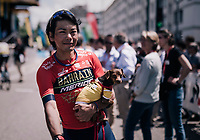 Yukiya Arashiro (JAP/Bahrain-Merida) & his little friend at the start<br /> <br /> Stage 5: Grenoble > Valmorel (130km)<br /> 70th Critérium du Dauphiné 2018 (2.UWT)