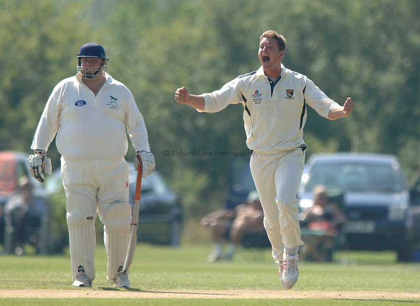 Photo: Henry Browne..Norfolk CC v Wiltshire CC. MCCA Knockout Trophy Final..31/08/2005...Paul Bradshaw.