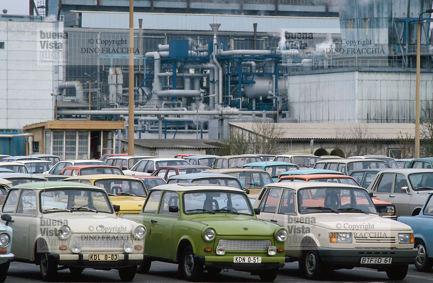 -  Trabant cars of workers parked outside an industrial  plant after re-unification between German Democratic Republic (DDR) and Federal Republic of Germany (RFT) ....- automobili Trabant degli operai parcheggiate all'esterno di uno stabilimento dopo la riunificazione fra Repubblica Democratica Tedesca (DDR) e Repubblica Federale Tedesca (RFT)..