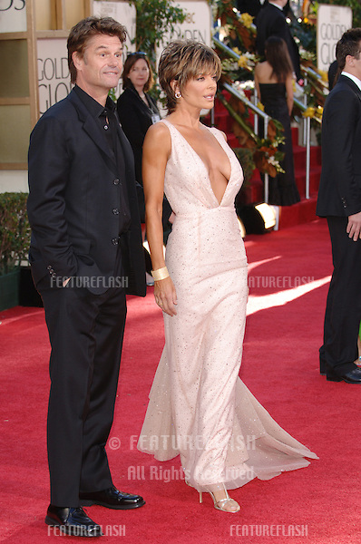 LISA RINNA & husband HARRY HAMLIN at the 63rd Annual Golden Globe Awards at the Beverly Hilton Hotel..January 16, 2006  Beverly Hills, CA.© 2006 Paul Smith / Featureflash