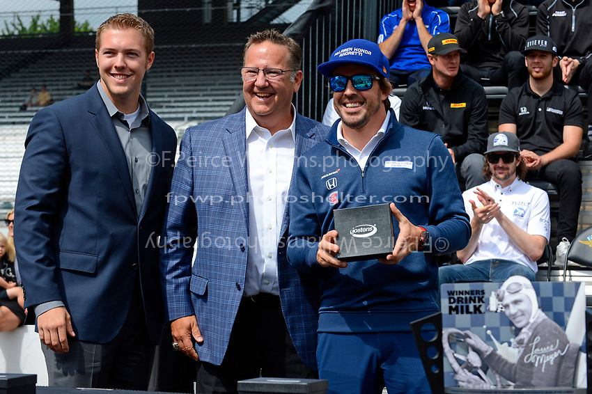 Verizon IndyCar Series<br /> Indianapolis 500 Drivers Meeting<br /> Indianapolis Motor Speedway, Indianapolis, IN USA<br /> Saturday 27 May 2017<br /> Starter's ring presentation: Fernando Alonso, McLaren-Honda-Andretti Honda<br /> World Copyright: F. Peirce Williams
