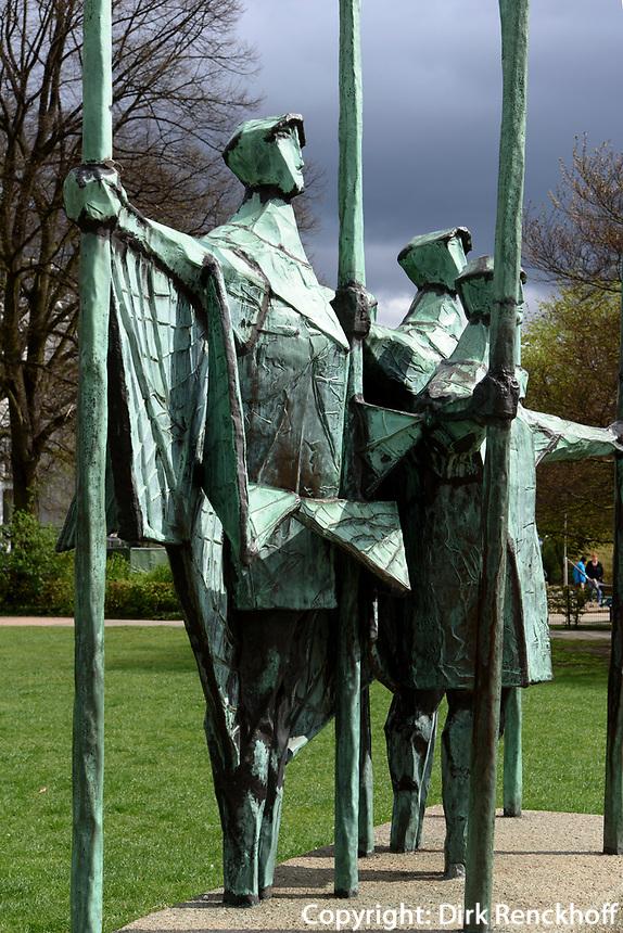 Skulptur &quot;Fischer&quot; von Gerhard Brandes, 1968, am Altonaer Balkon, Hamburg, Deutschland, Europa<br /> sculpture &quot;fishermen&quot; by Gerhard Brandes, 1968, at  Altonaer Balkon, Hamburg, Germany, Europe