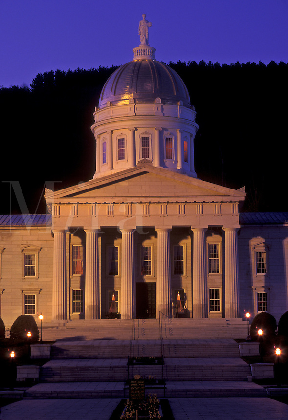 AJ4511, State House, State Capitol, Montpelier, Vermont, The State House at night in Montpelier in the state of Vermont.