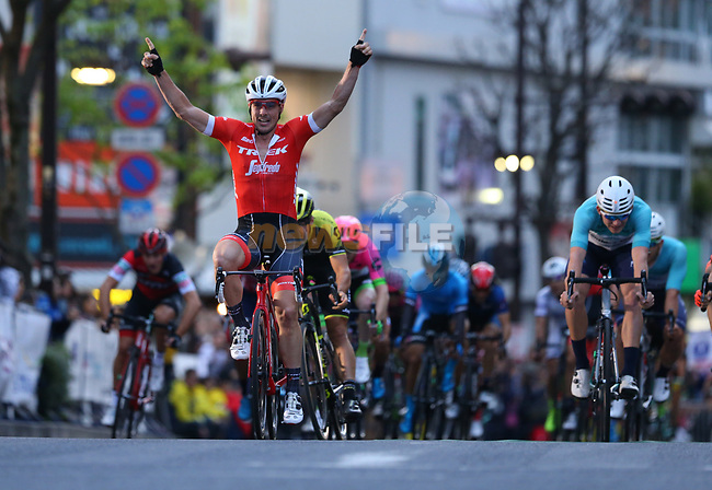 John Degenkolb (GER) Trek-Segafredo wins the Criterium Japan Cup 2018, held in Utsunomiya, Japan. 20th October 2018.   <br /> Picture: Trek Factory Racing/Key Tsuji/BettiniPhoto | Cyclefile<br /> <br /> <br /> All photos usage must carry mandatory copyright credit (&copy; Cyclefile | Trek Factory Racing/Key Tsuji/BettiniPhoto)