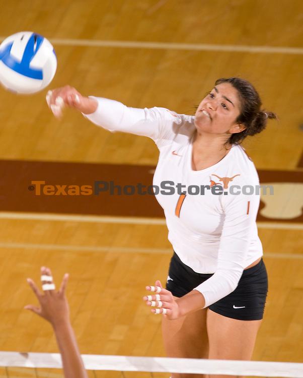 volleyball vs. CSB.(The University of Texas/Jim Sigmon)