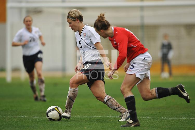 Lori Lindsey vs Norway during the 2010 Algarve Cup