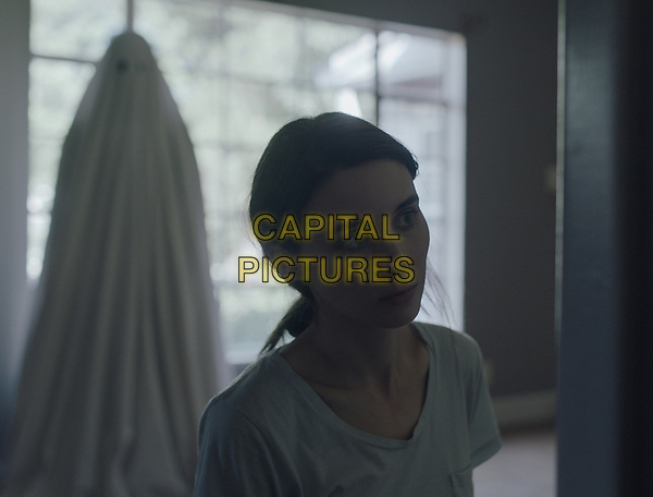 A Ghost Story (2017) <br /> ROONEY MARA<br /> *Filmstill - Editorial Use Only*<br /> CAP/FB<br /> Image supplied by Capital Pictures
