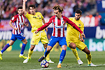 Antoine Griezmann of Atletico de Madrid (C) in action during the La Liga match between Atletico de Madrid vs Villarreal CF at the Estadio Vicente Calderon on 25 April 2017 in Madrid, Spain. Photo by Diego Gonzalez Souto / Power Sport Images