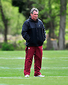 Ashburn, VA - April 18, 2010 -- Washington Redskins head coach Mike Shanahan looks on as his player participate in the first 2010 mini-camp at Redskins Park in Ashburn Virginia on Sunday, April 18, 2010..Credit: Ron Sachs / CNP