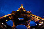 The best shot of the Eiffel tower, Paris at night