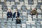 Stockholm 2015-03-13 Bandy SM-final herrar Sandvikens AIK - V&auml;ster&aring;s SK :  <br /> AIK:s supportrar publik och tomma stolar p&aring; Tele2 Arena under matchen mellan Sandvikens AIK och V&auml;ster&aring;s SK <br /> (Foto: Kenta J&ouml;nsson)<br /> Nyckelord:  SM SM-final final Bandyfinal Bandyfinalen Dam Damer Dambandy AIK Kareby IS supporter fans publik supporters inomhus interi&ouml;r interior