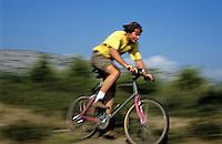 Biking/A velo