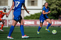 Seattle, Washington - Sunday, June 12, 2016: Seattle Reign FC midfielder Lindsay Elston (6) looks for a pass during a regular season National Women's Soccer League (NWSL) match at Memorial Stadium. Seattle won 1-0.
