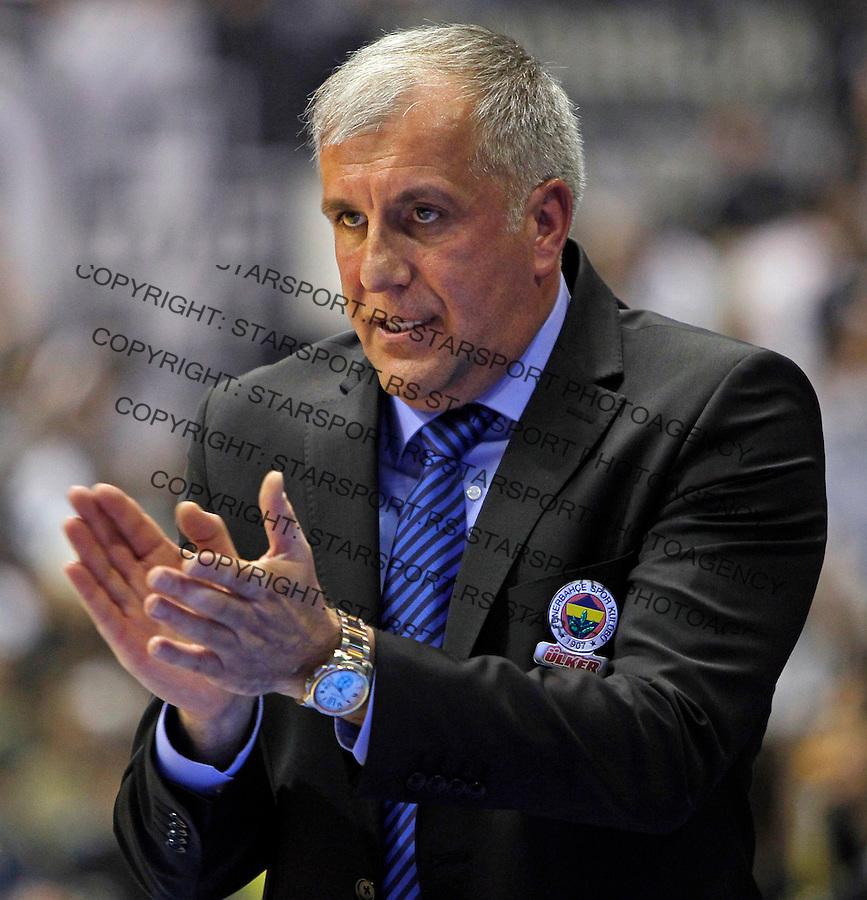 Fenerbahce`s head coach Zeljko Obradovic gestures during Euroleague Group A basketball match between Partizan NIS and Fenerbahce Ulker Istanbul in Pionir Arena in Belgrade, Serbia on Friday November 8. 2013. (credit: Pedja Milosavljevic  / thepedja@gmail.com / +381641260959)