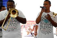 ATENÇAO EDITOR  FOTO EMBARGADA PARA VEICULOS INTERNACIONAIS - RIO DE JANEIRO, RJ 08 DE DEZEMBRO 2012 - O BLOCO CORDÃO DO BOLA PRETA LANÇA CAMISA OFICIAL PARA O CARNAVAL 2013..Nesta manhã de sabado (08) o tradicional bloco carioca Cordão do Bola Preta, lança sua camisa oficial no calçadão da praia de Copacabana..FOTO RONALDO BRANDAO / BRAZILPHOTO PRESS