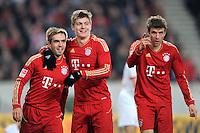 Fussball 1. Bundesliga:  Saison   2011/2012    16. Spieltag VfB Stuttgart - FC Bayern Muenchen  11.12.2011 Jubel nach dem Tor zum 1:2 Philipp Lahm, Toni Kroos, Thomas Mueller (v. li., FC Bayern Muenchen)