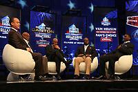 Moderator Rich Eisen, Neu-Hall-of-Famer Emmitt Smith mit Jerry Rice, Michael Irvin und Floyd Little<br /> NFL Hall of Fame PK *** Local Caption *** Foto ist honorarpflichtig! zzgl. gesetzl. MwSt. Auf Anfrage in hoeherer Qualitaet/Aufloesung. Belegexemplar an: Marc Schueler, Alte Weinstrasse 1, 61352 Bad Homburg, Tel. +49 (0) 151 11 65 49 88, www.gameday-mediaservices.de. Email: marc.schueler@gameday-mediaservices.de, Bankverbindung: Volksbank Bergstrasse, Kto.: 52137306, BLZ: 50890000